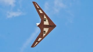 ① RC SCHAPEL SA882 TAILLESS FLYING WING JET JOHN WRIGHT - WINGS & WHEELS MODEL AIRCRAFT SHOW 2014