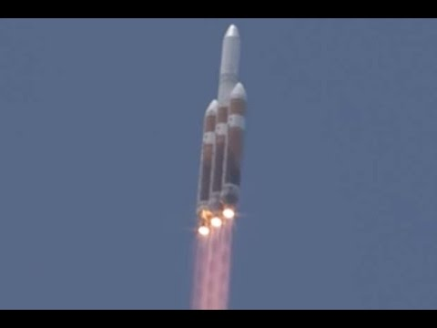 Liftoff! Delta IV Heavy Rocket Launches Spy Satellite | Video