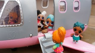 Video LOL SURPRISE DOLLS Fly Plane To Hawaii For The First Time! download MP3, 3GP, MP4, WEBM, AVI, FLV Januari 2018