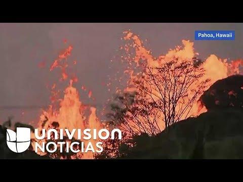 El volcán Kilauea en Hawaii amanece así hoy miércoles. La lava sigue camino a las aguas del océano.