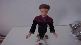 Скачать Звездный путь Вояджер обзор фигурки капитана Кетрин Джейнвей 1997 года русская версия