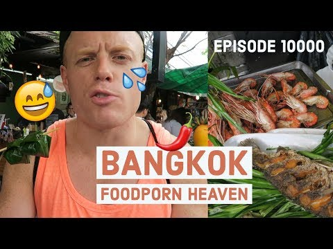 Bangkok's Best Street Food Market, CHATUCHAK! 🔥What do to in Thailand 2-3 Days Weekend Travel Vlog