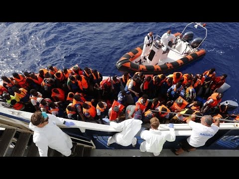 700 Immigrants Dead as Mediterranean Boat Capsizes