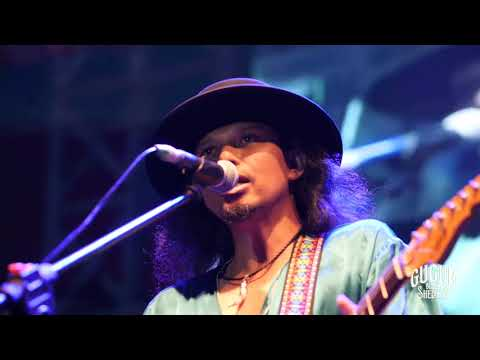Gugun Blues Shelter - Sweet Looking Woman at Bali Blues Festival