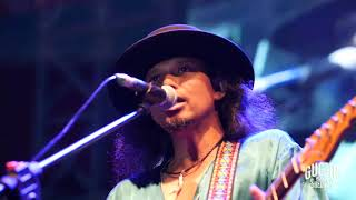 Gugun Blues Shelter Sweet Looking Woman at Bali Blues Festival.mp3