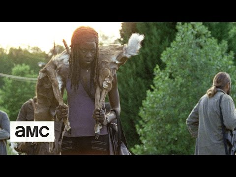 (SPOILERS) The Walking Dead: 'Getting The Message' Talked About Scene Ep. 704