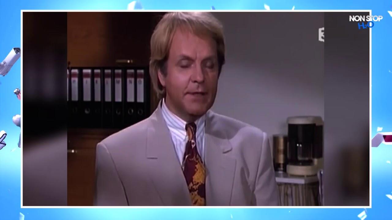 Derrick demande une augmentation à son patron (Saison 3 épisode 14)