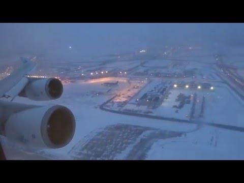 Смотреть KLM 747-400 - O'hare to Amsterdam Takeoff After Snow Storm онлайн