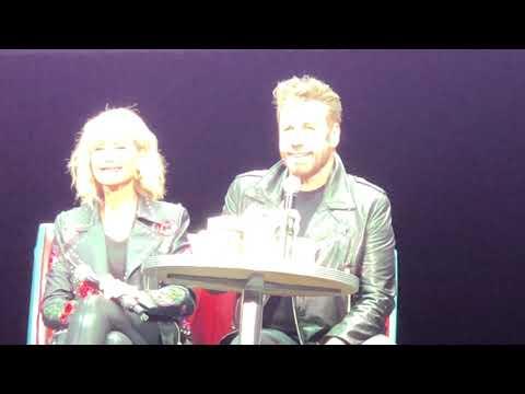 See John Travolta and Olivia Newton-John Reprise 'Grease' Roles For Sing-Along