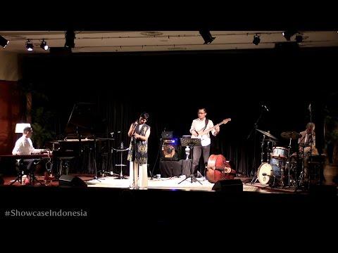 "Sri Hanuraga Trio Ft. Dira Sugandi - Tanah Airku @ Album Showcase ""Indonesia Vol.1"" [HD]"