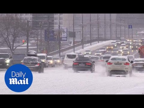Impressive snowfall causes disruption in the Moscow region - Daily Mail