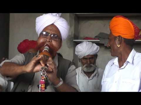 RAJASTHANI TRADITIONAL FOLK MUSICIANS : Langa LATIF KHAN & Manganiyar GAZI KHAN's KACHERI