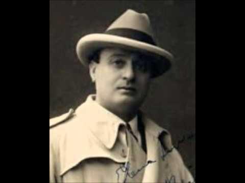 Roberto D'Alessio, tenor