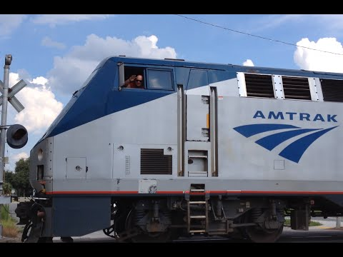 Thumbnail: Awesome Amtrak Engineer on the 98 Silver Meteor 8/17/14