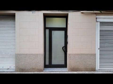 Puerta De Entrada A Portería Renova PR 45 Gris Oscuro Ral 7022 Con Cerradura Electromecánica