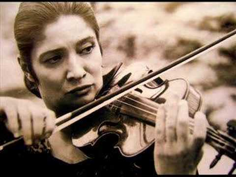 Ayla Erduran - F.Kreisler - Praeludium and Allegro
