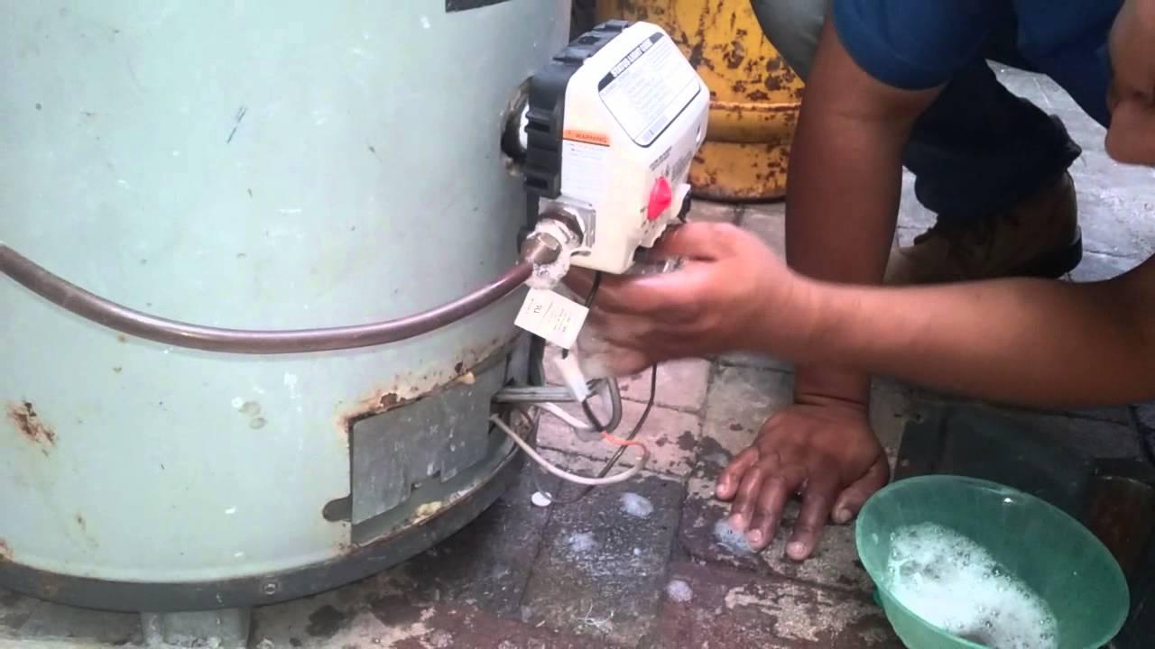 Prueba de fuga dd gas en un calentador de agua youtube - Calentador de agua de gas ...