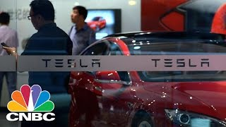Elon Musk Taunts Tesla Shortsellers In New Tweet | Power Lunch | CNBC