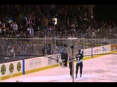 Wenatchee Wild Hockey Fight  #2- 1/1/2011