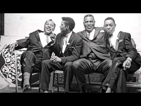 Howlin wolf just as long she s looking good 1971