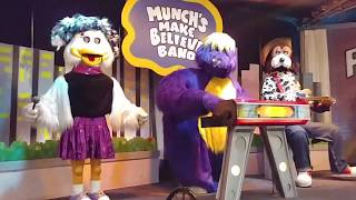 Chuck E. Cheese's : Bailando - (Madison, WI 2018)