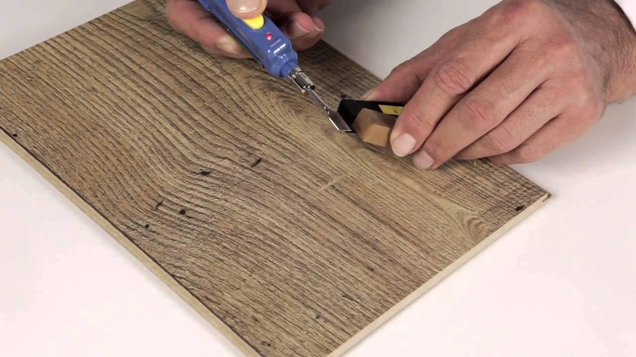 De quick step reparatiekit gebruiken youtube - Pasta para reparar madera ...