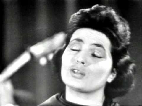 Amalia Rodrigues - Ai Mouraria (Amadeu do Vale - Federico Valreio)