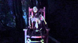 Talking Rocking Halloween Skeleton