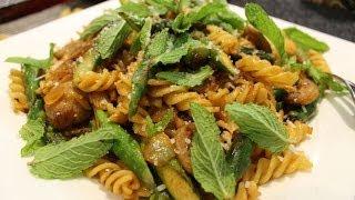 香肠芦笋螺丝意面/sausage And Asparagus Fusilli
