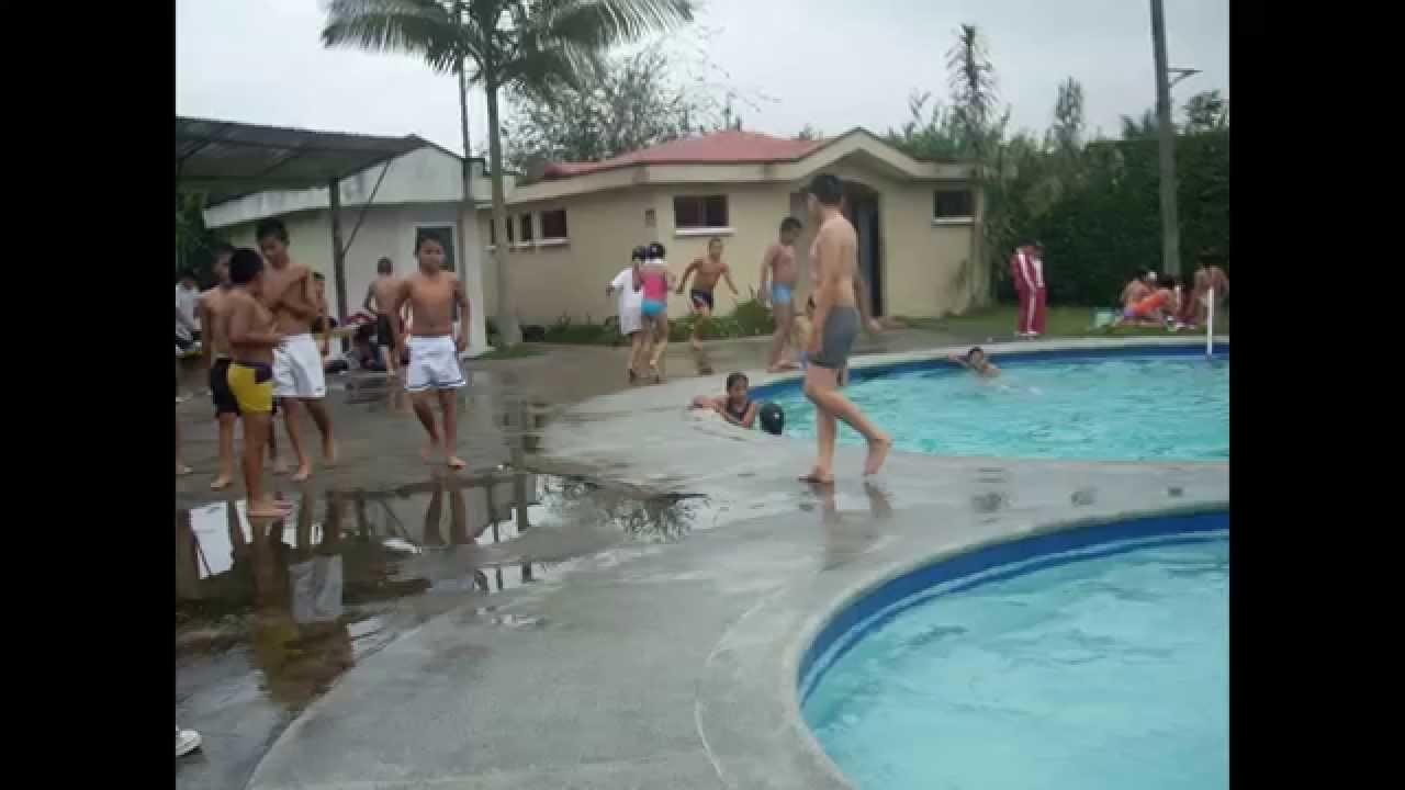 Tr bol piscina santo domingo de los tsachilas ec youtube for Pulpo para piscina