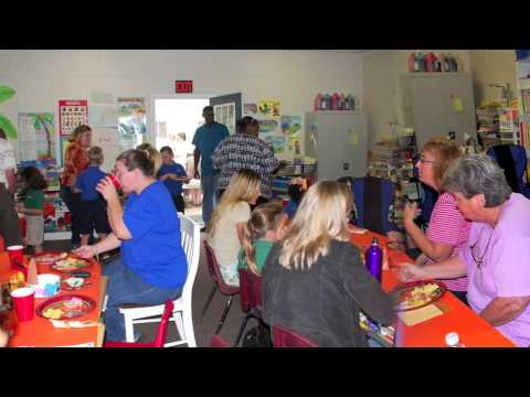 Thanksgiving Feast: The Beaches School: 2009