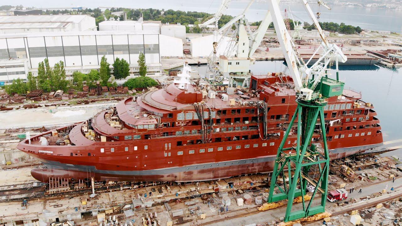 【動画】クォーク社待望の新造船ウルトラマリン進水式