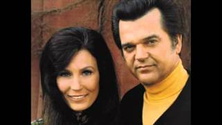 Loretta Lynn Conway Twitty - Only way around it (is right thru the middle) YouTube Videos