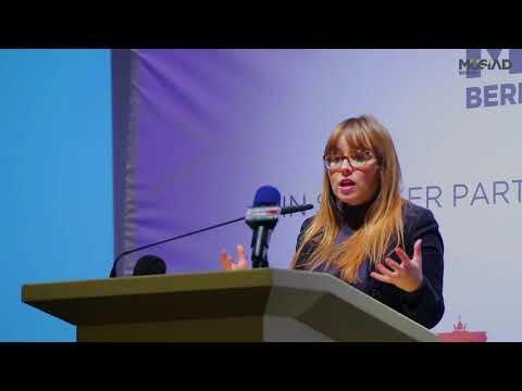 Vize-Chefin Der Bundeszentrale Für Politische Bildung Frau Cemile Giousouf über MÜSIAD Berlin.