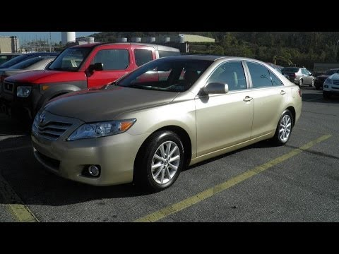 2011 toyota camry xle v6 in depth review start up. Black Bedroom Furniture Sets. Home Design Ideas