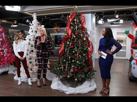 3 of the hottest Christmas tree decorating trends for 2018