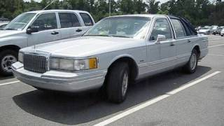 1993 Lincoln Town Car w/ 289k Miles Start Up, Dual Exhaust, and In Depth Tour