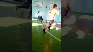 Урок физры игра в баскетбол