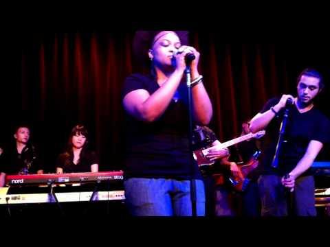 Erykah Badu- Fall In Love/Other Side Of The Game (Berklee Neo-Soul Ensemble)