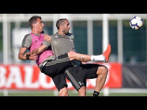 Juventus get to it at Continassa!