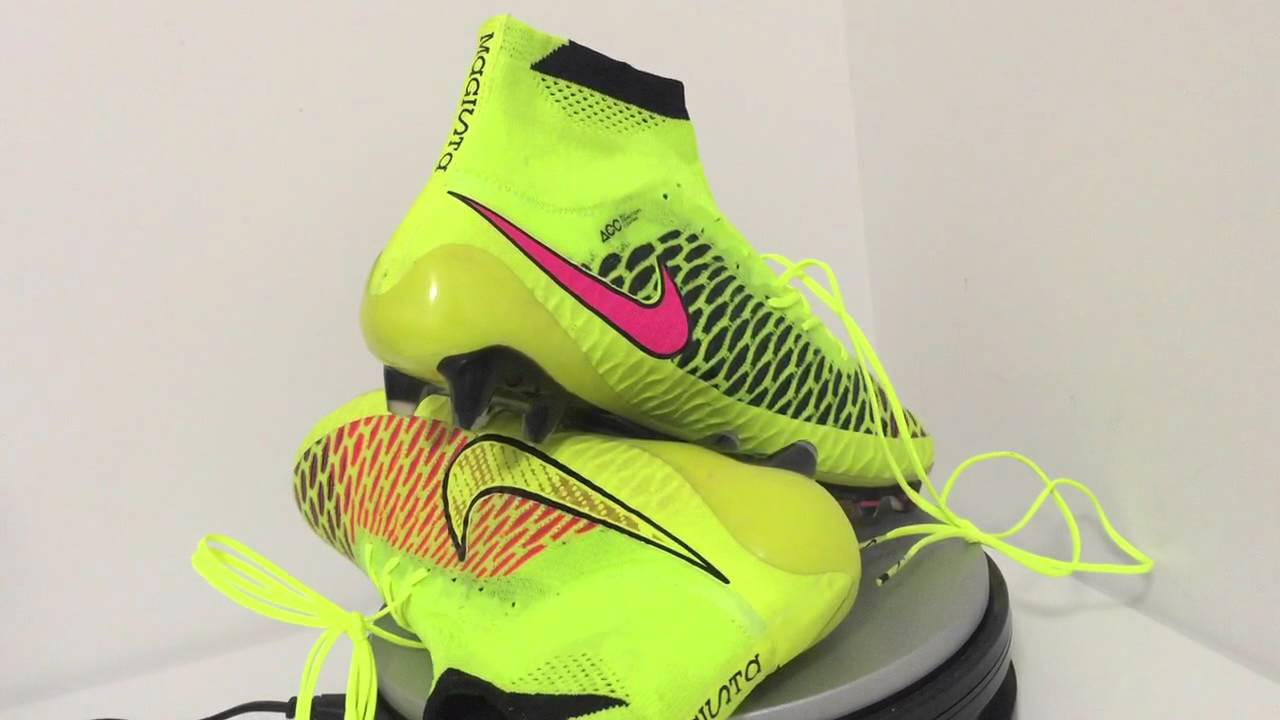 best service 01dc9 bf02b unboxing Nike Magista Obra FG Volt Metallic Gold Coin Black Hyper Punch