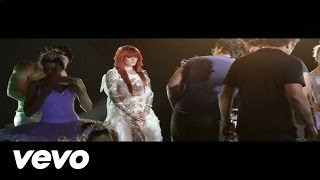 Florence + The Machine - Spectrum (Behind The Scenes)