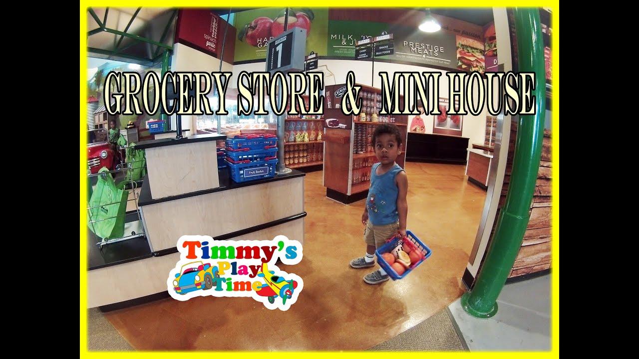 Indoor Playground Fun Pretend Role Play in Grocery Shop Kitchen
