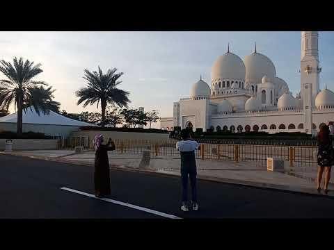 Sheikh Zayed Grend Mosque – Abu Dubai enjoy dosto