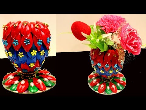 DIY - Flower vase of recycled plastic spoons - Recycling art and crafts ideas - Recycled home decor
