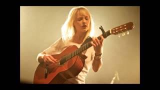 """Laura Marling - """"Narrow Road"""" (Live)"""