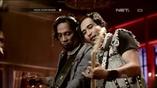 Piyu and Friends Feat The Frontmen - Sobat (Live at Music Everywhere) **