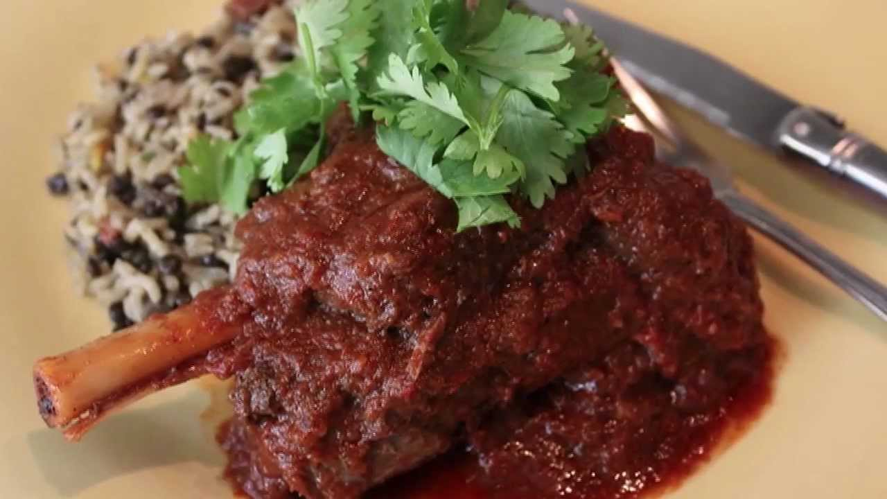 Lamb shank vindaloo spicy indian style lamb curry recipe youtube forumfinder Image collections