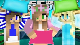 Minecraft - Little Kelly Adventures : PILLOW FIGHT AT THE PRINCESS SLEEPOVER!