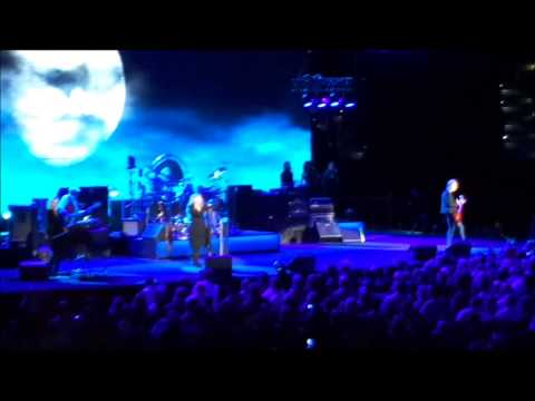 "Fleetwood Mac performing ""Sisters of the Moon"" @ Amalie Arena, 12/20/2014"